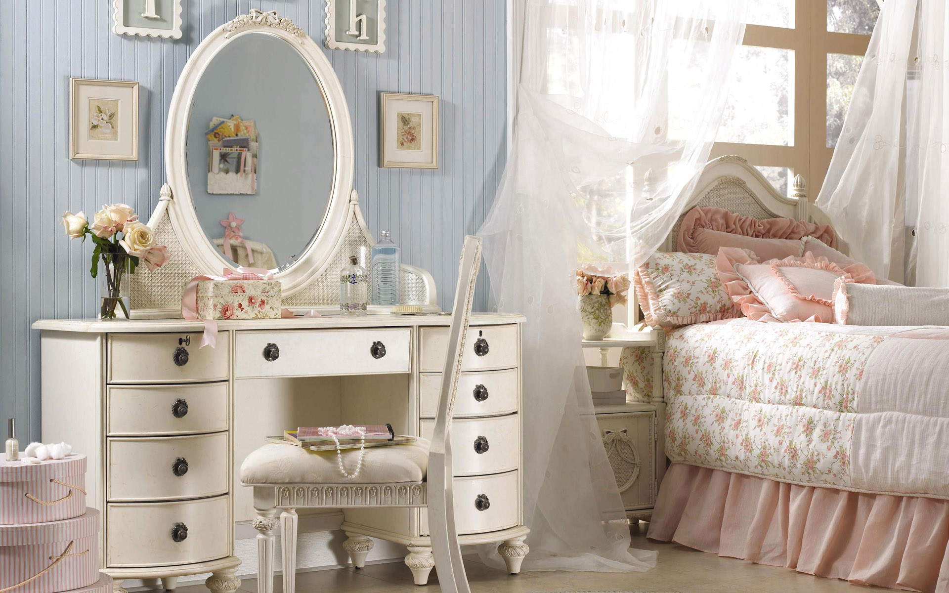 Yatak Odasını Nasıl Dekore Etmeli