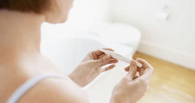 erken hamilelik sonucu için evde idrar testi uygulayabilirsiniz